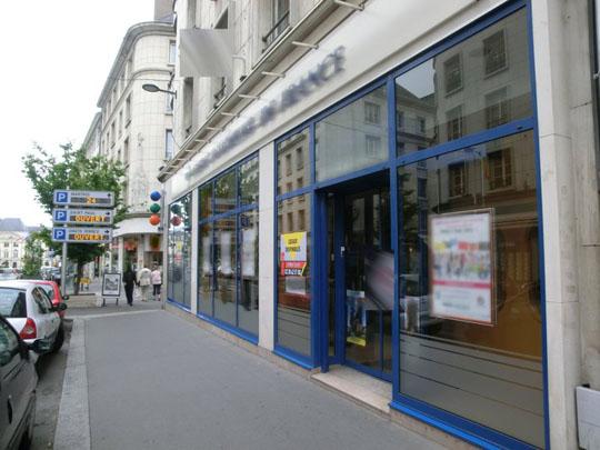bureaux-commerciaux-centre-orleans-vitrine